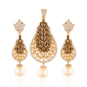 Buy Mindboggling Gold plated American Diamond set Online