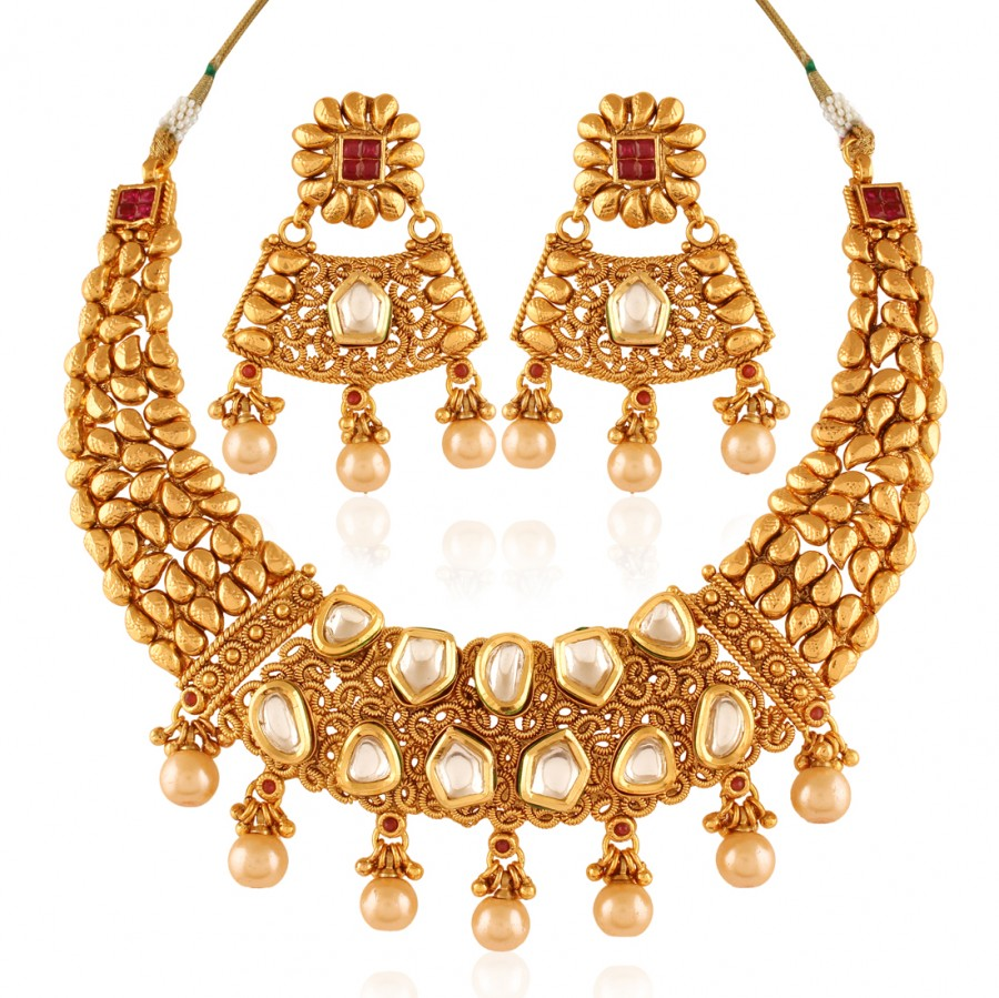 Buy Noble Gold plated kundan set Online