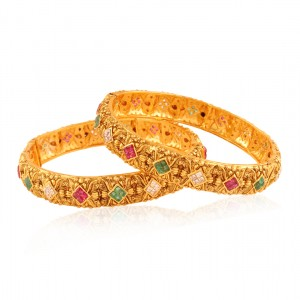 Buy Scintillating Gold plated fusion bangle Online