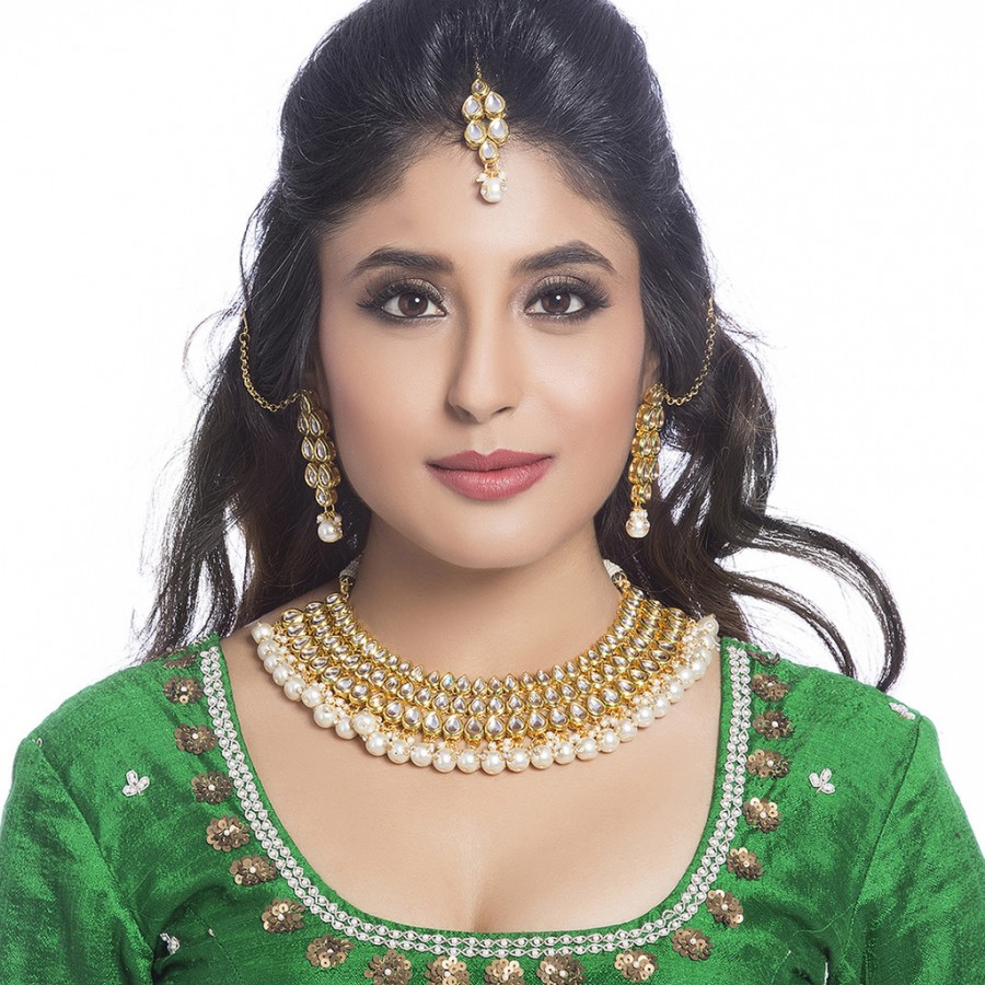 Buy Sukkhi - Kritika Kamra Resplendent Gold Plated Kundan Wedding Necklace Set Online