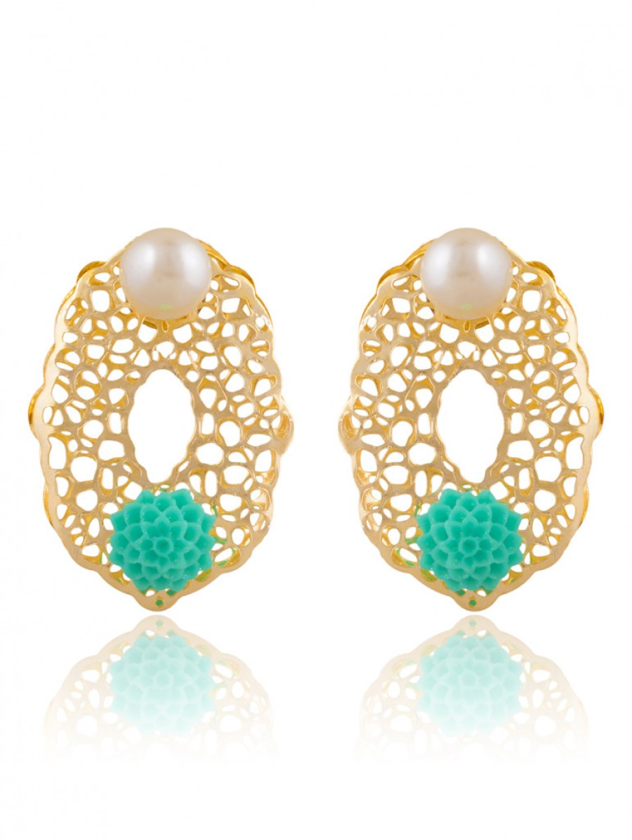 Buy Sukkhi Alluring Gold Plated Stud Earring For Women Online