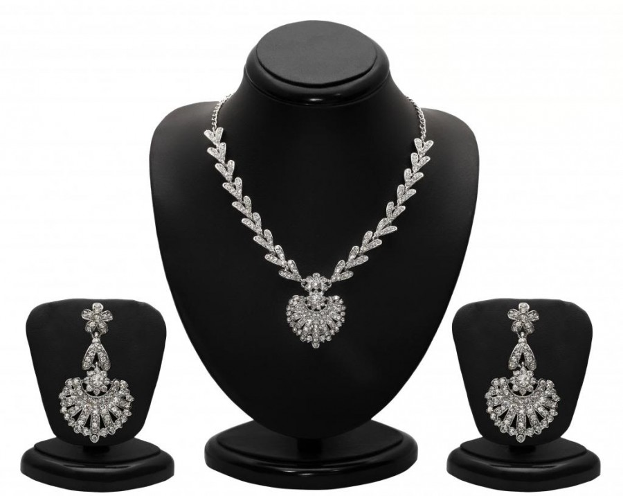 Buy Sukkhi Attractive Rhodium plated AD Stone Necklace Set Online
