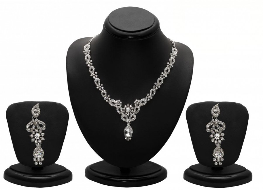 Buy Sukkhi Modern Rhodium plated AD Stone Necklace Set Online