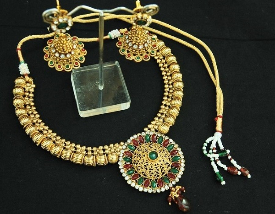 Buy Elegant Ruby & Emerald copper Necklace set with Jhumkii Earrings Online