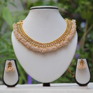 Buy Golden Traditional white lariya White necklace set Online