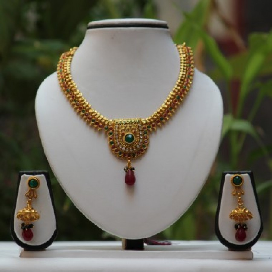 Buy Kamp red Green traditional Golden necklace set Online
