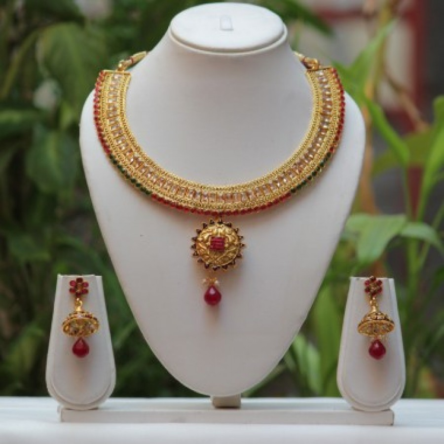 Buy American demond Traditional Green maroon Gold Design Necklace Set Online