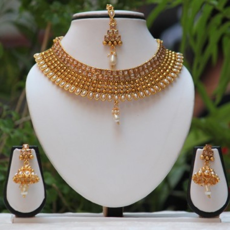 Apara Bridal Pearl Lct Stones Gold Necklace Set Jewellery: Traditional South Indian Diamond Necklace Designs T