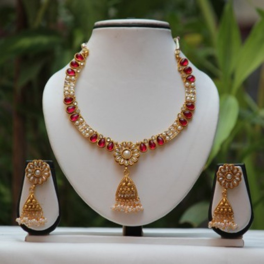 Buy flower design pearl small beautiful necklace set Online