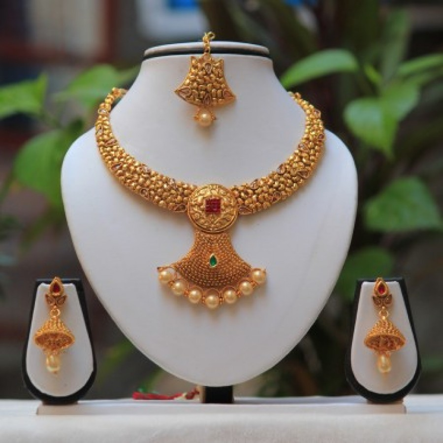5f08a331b Buy Antique beautiful pearl drop Green Maroon kundan short necklace design  Set Online
