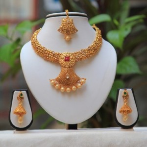 Buy Antique beautiful pearl drop Green white kundan short necklace design Set  Online