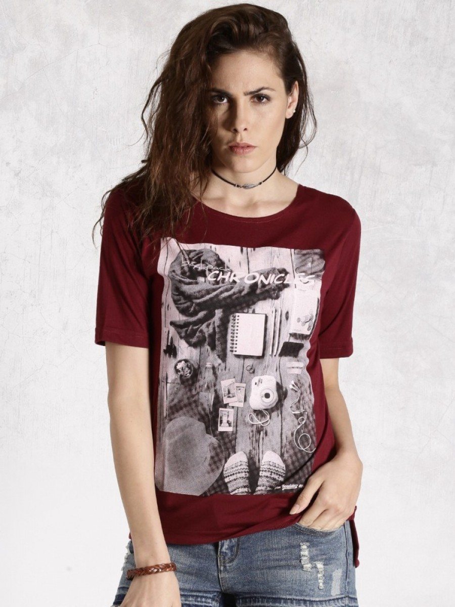 Buy Roadster Graphic Print Women Round Neck Maroon T Shirt Online