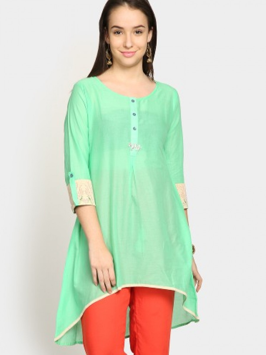 Buy Span Women Green Regular Fit Kurti Online