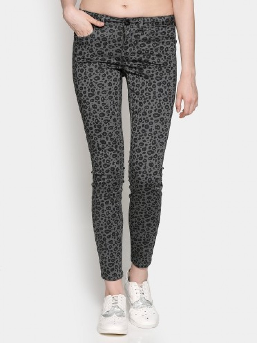 Buy Only Women Grey Printed Regular Fit Trousers Online