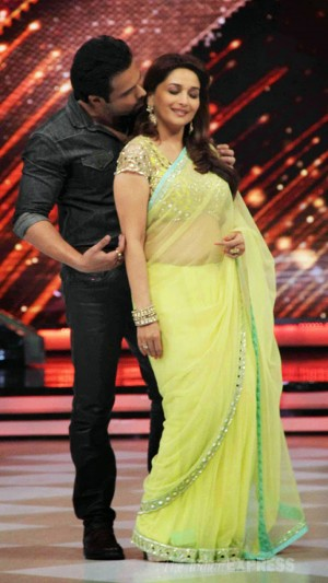 Buy  Emraan Hashmi With Madhuri Dixit In Yellow Designer Saree Online