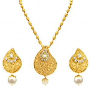Buy Sukkhi Ravishing Gold Plated Kundan Pendant Set For Women Online