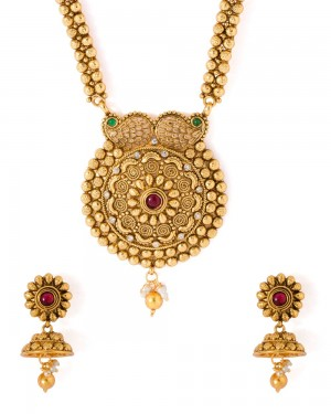 Buy  TRADITIONAL AND ELEGANT NECKLACE SET FOR WOMEN Online