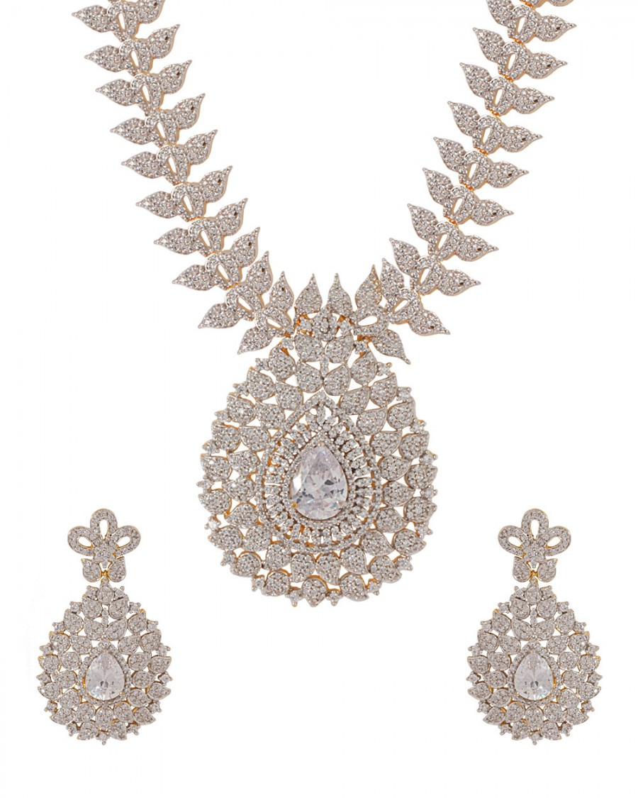 Buy  GOLD TONE DAZZLING NECKLACE SET Online