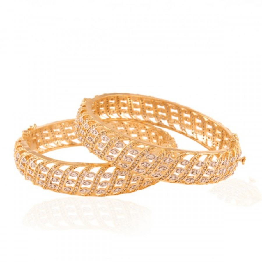 Buy  Fabulous Gold plated ad bangle Online