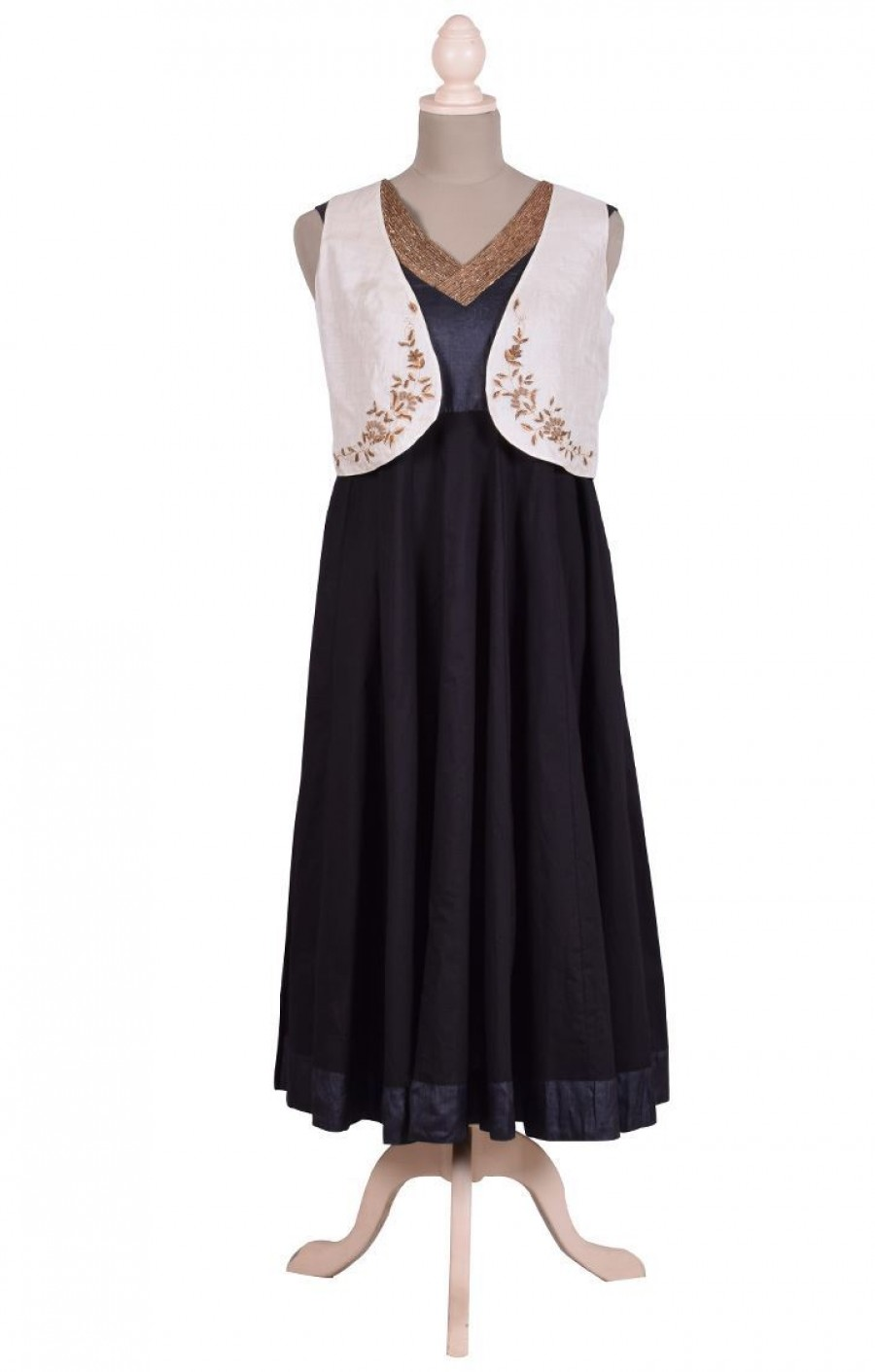 Buy Zardozi Work Sleeveless Silk Waist Coat Online
