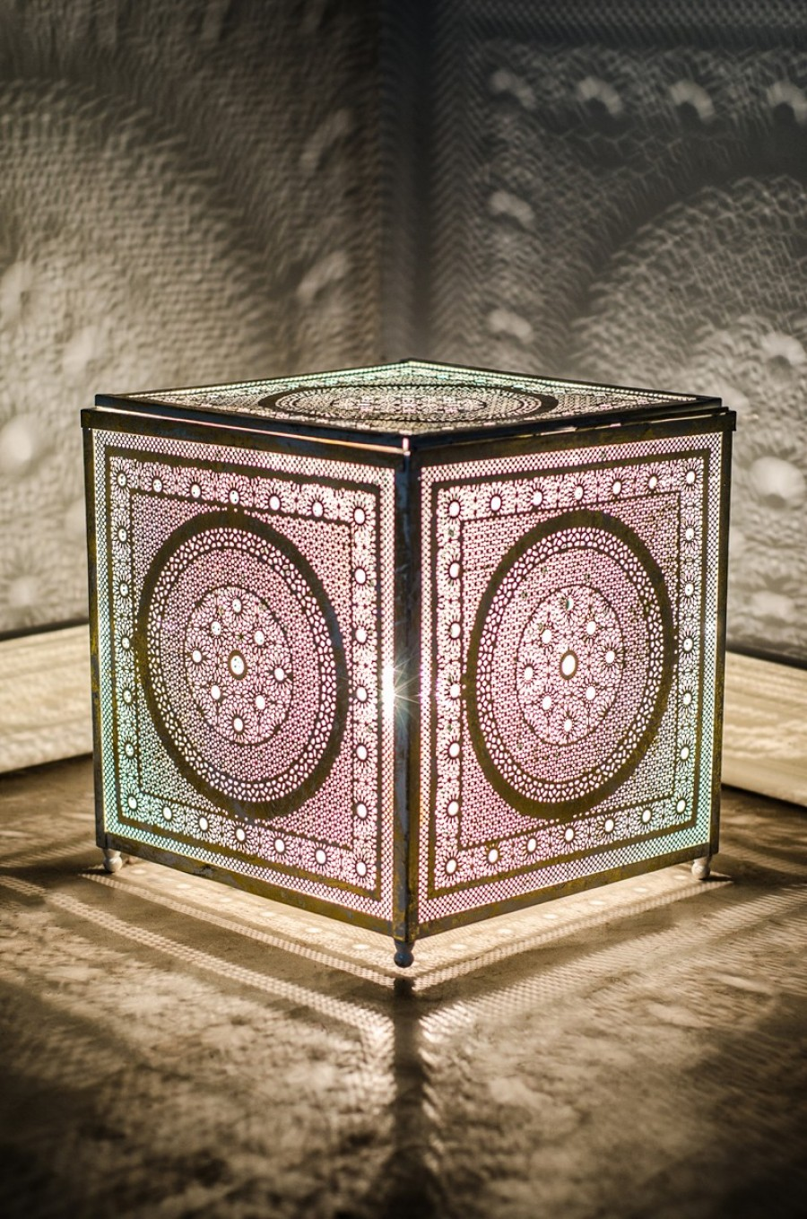 Buy LATTICE CUBE TABLE LAMP Online