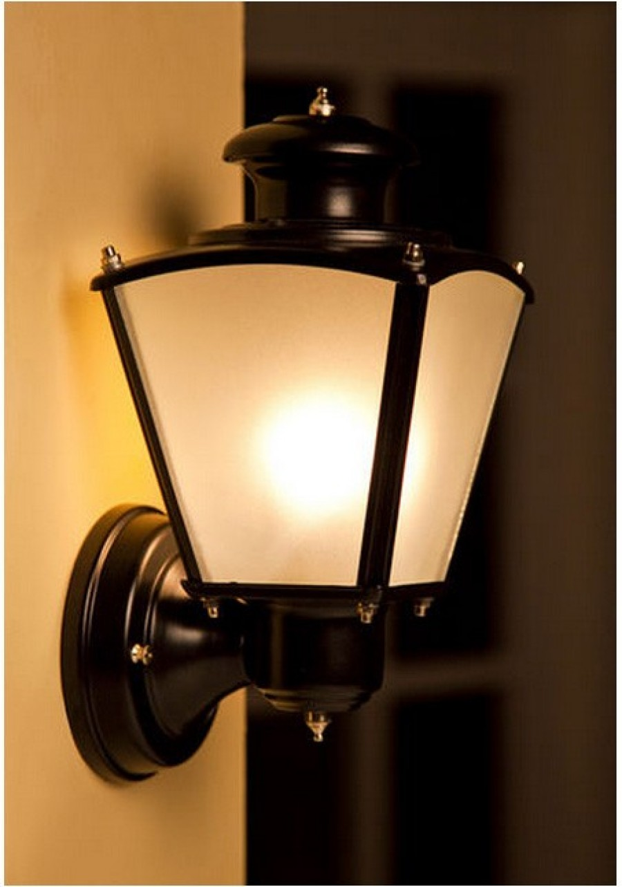 Buy CLASSIC BLACK SMALL OUTDOOR WALL LIGHT Online