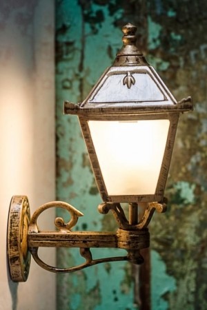 Buy VINTAGE ANTIQUE GOLDEN OUTDOOR WALL LIGHT Online